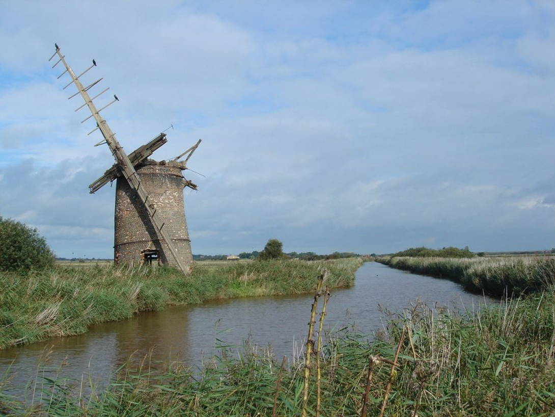 The Broads National Park   Coast and Countryside Adventures with TT